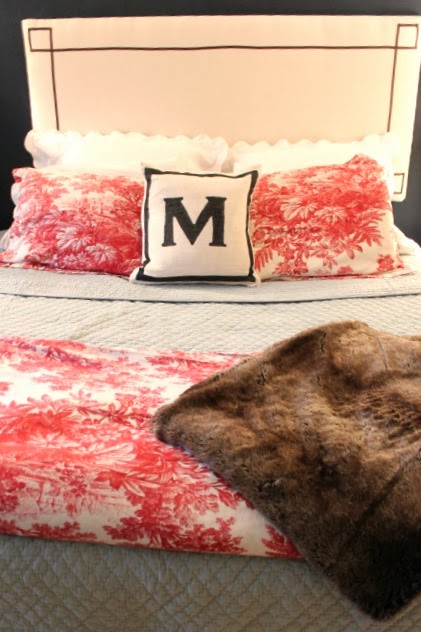 Simple Ideas for a Cozy Holiday Guest Bedroom