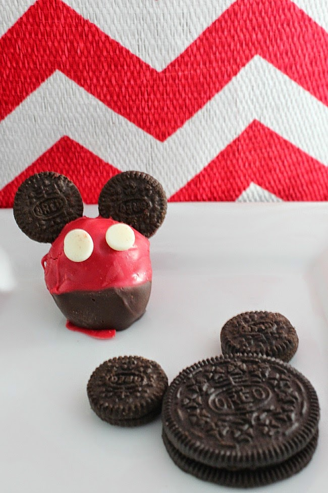Mickey Mouse Oreo Cookie Balls