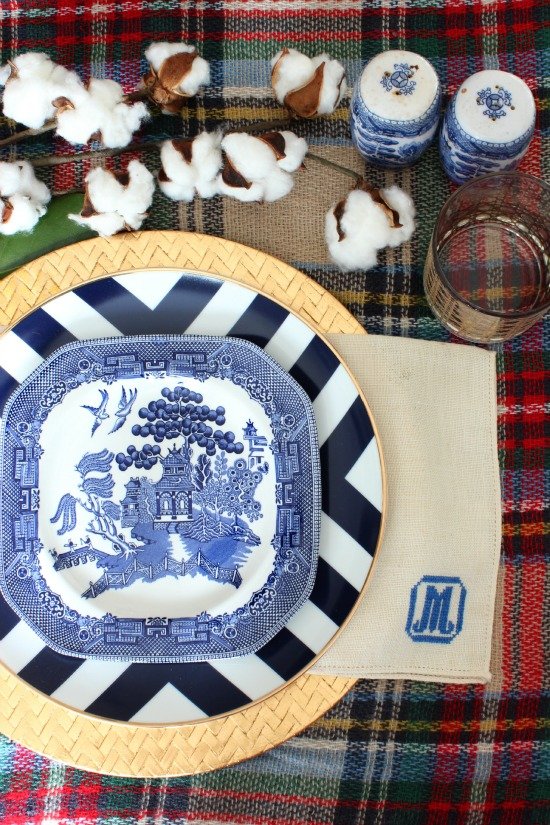 We will be hosting Thanksgiving on Friday so I had some fun prepping my table setting. (if youu0027re counting that will be Thanksgiving #3 for the week ... & Modern Blue Willow Thanksgiving Table - Southern State of Mind