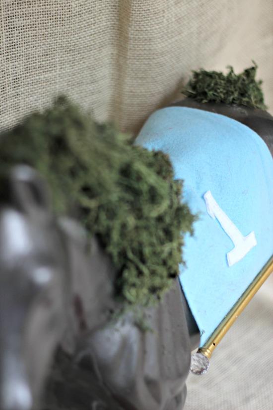 derby horse moss centerpiece