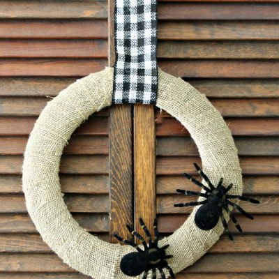 {Halloween} Make a Spider Wreath