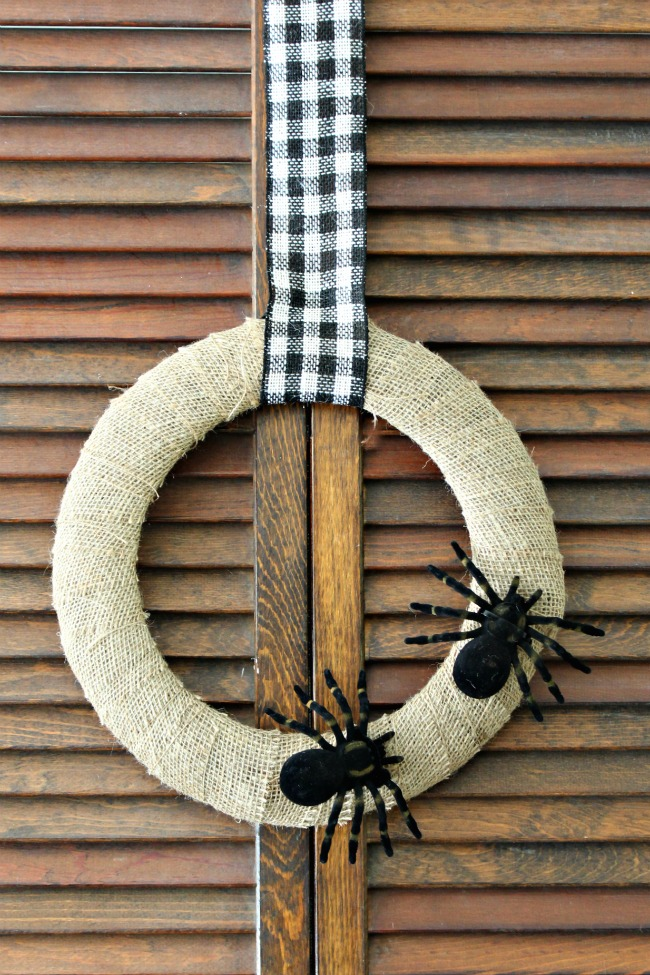Halloween Wreath DIY Spider