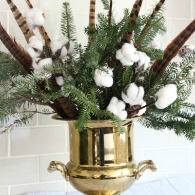 Simple Southern Christmas Centerpiece