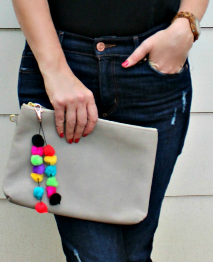 how to make a Pom Pom Purse Charm