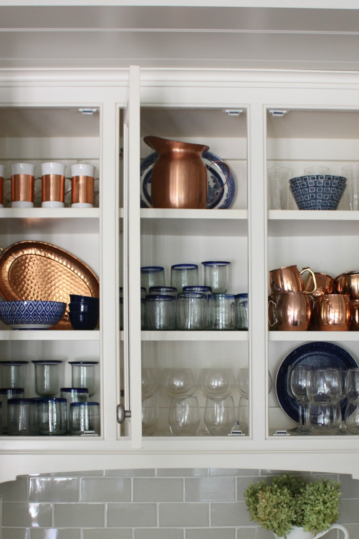 How to Style Beautiful and Functional Glass Kitchen ...
