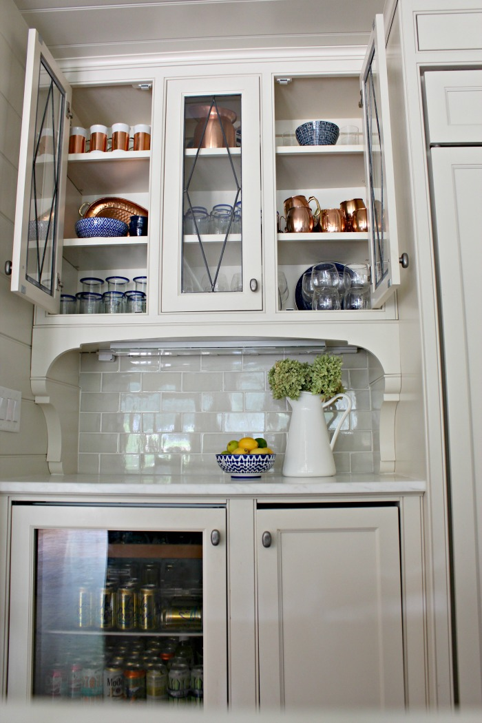 How to Style Beautiful and Functional Glass Kitchen Cabinets ...