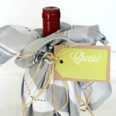 How to Personalize a Bottle of Wine Hostess Gift (with free gift tag printable)