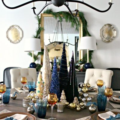 Winter Wonderland Dining Room – A Christmas Tree Centerpiece