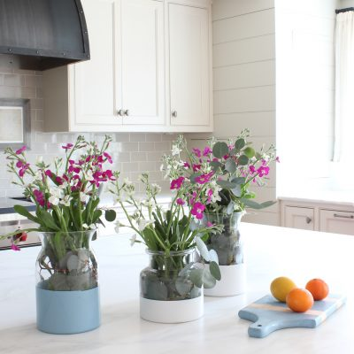 How to Make This Paint Dipped Colorblock Vase for Under $10