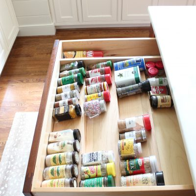 20 Minute Organizing || Spice Drawer Organizing Tips