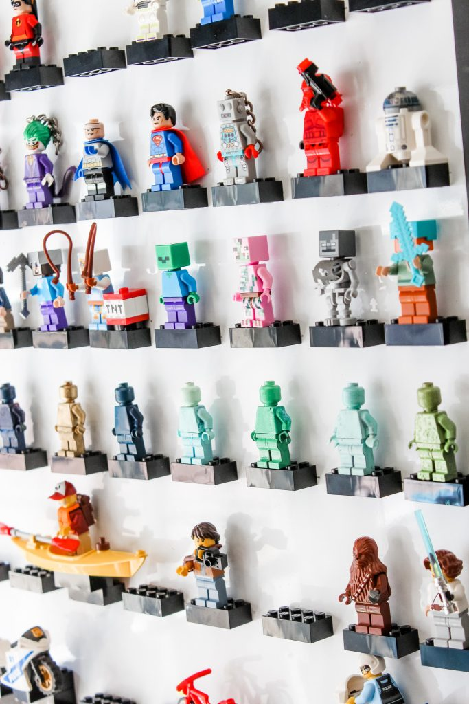 How We Made A LEGO Minifigure Display Frame