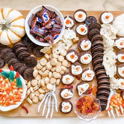 A Spooky Sweet Halloween Treat || Halloween Dessert Board